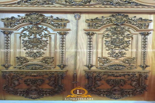 Cửa gỗ tự nhiên tân cổ điển LT05