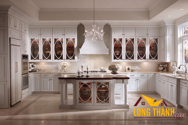 Tại sao tủ bếp tân cổ điển gỗ tự nhiên sơn trắng vẫn được ưa thích, lựa chọn