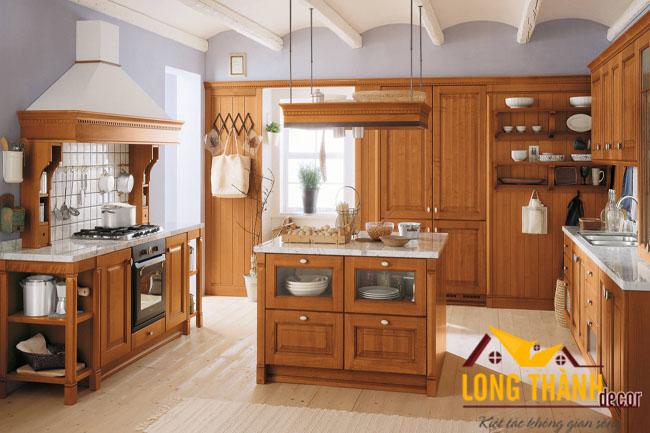 Tủ bếp gỗ tự nhiên sơn PU LT03