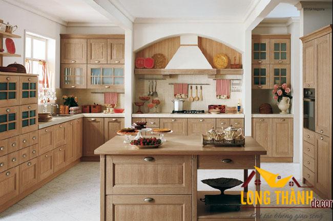 Tủ bếp gỗ tự nhiên sơn PU LT06