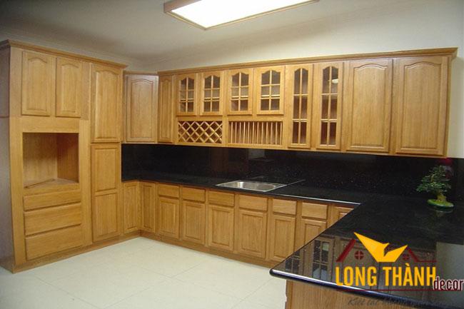 Tủ bếp gỗ tự nhiên sơn PU LT08