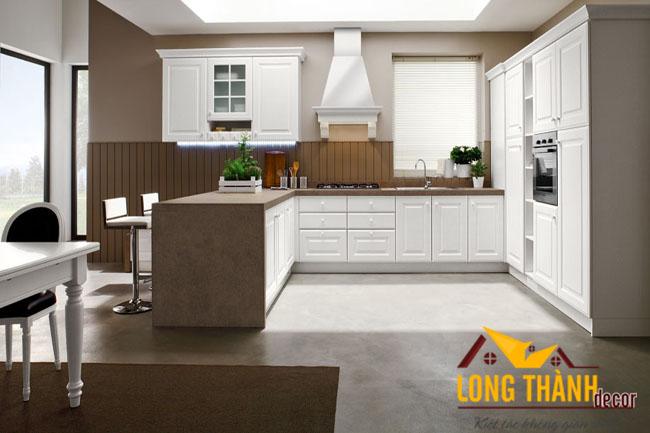 Tủ bếp gỗ tự nhiên sơn trắng LT02