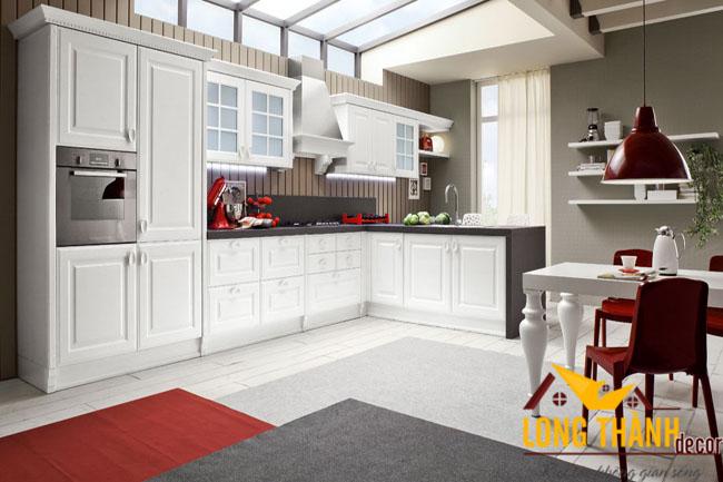 Tủ bếp gỗ tự nhiên sơn trắng LT07