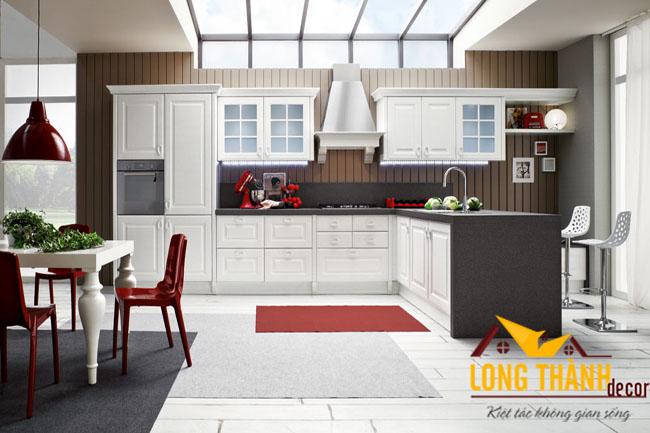 Tủ bếp gỗ tự nhiên sơn trắng LT08