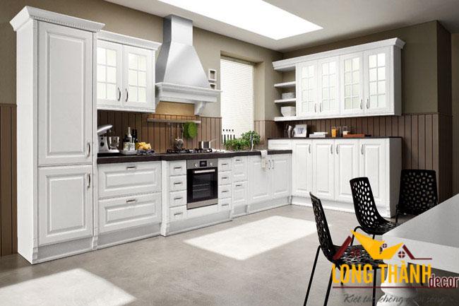 Tủ bếp gỗ tự nhiên sơn trắng LT01