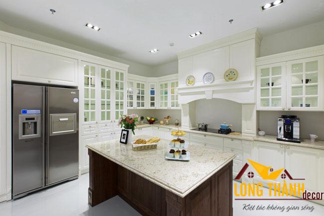 Tủ bếp tân cổ điển nhà anh Hùng - Hải Dương