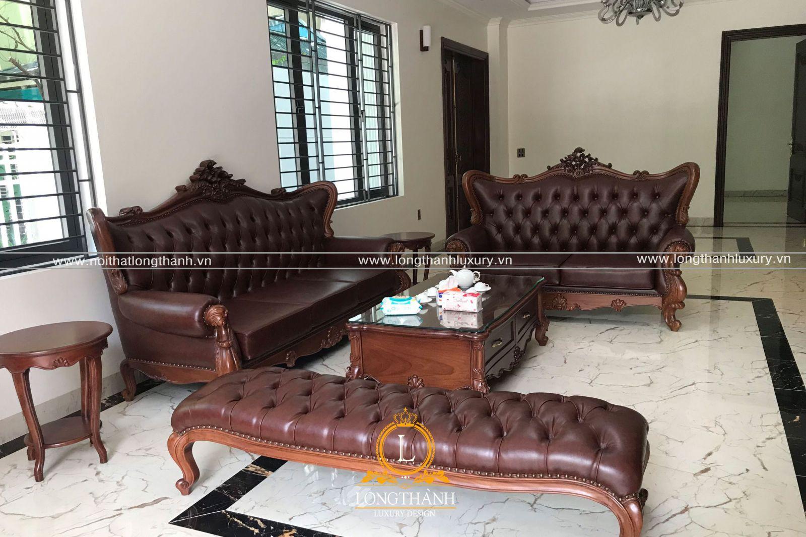 Bộ sofa được bàn giao theo đơn đặt hàng đã ký kết