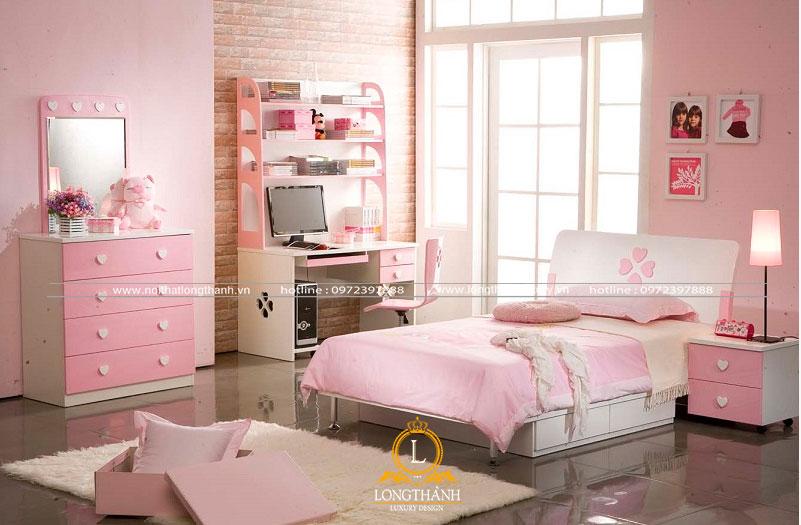 Chiếc tủ quần áo màu hồng gọn gàng nhỏ nhắn