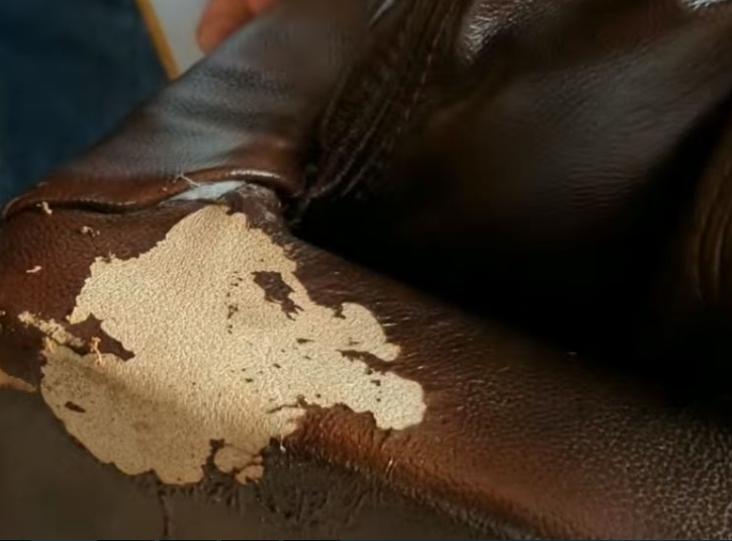 Sofa da công nghiệp dễ bị nổ, bong tróc