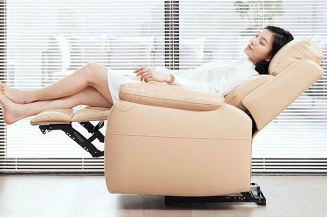 Mẫu sofa lười bọc da sang trọng