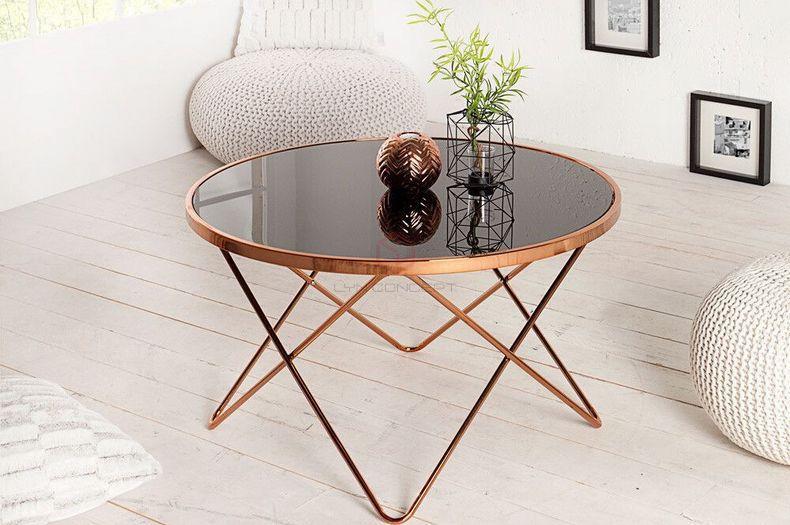 Bàn sofa kính cường lực được làm từ chất liệu đơn giản
