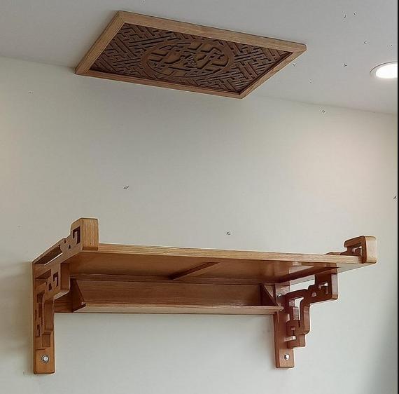 Mẫu bàn thờ đơn giản cho không gian nhà chung cư hẹp
