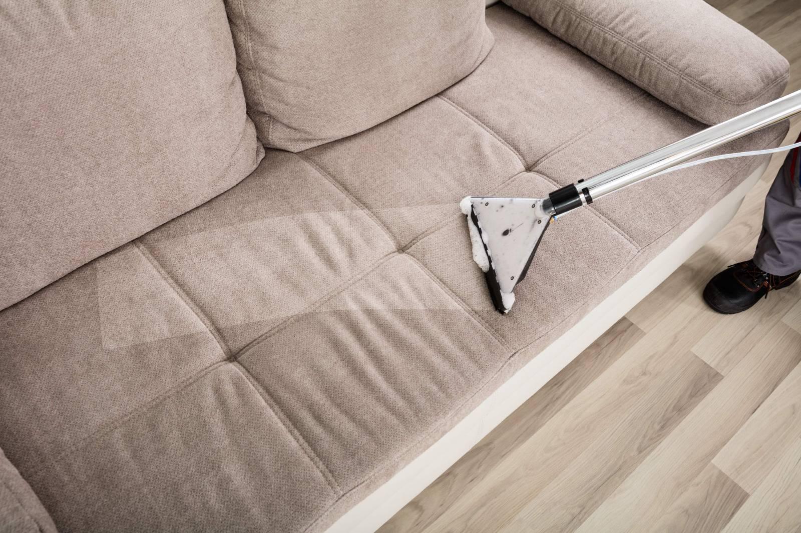 Bộ bàn ghé sofa luôn có quy định về cách vệ sinh lau chùi trên tem mác