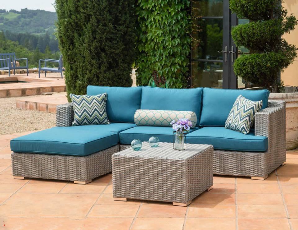 Bộ bàn ghế sofa được thiết kế đặt ngoài trời thiết kế đơn giản