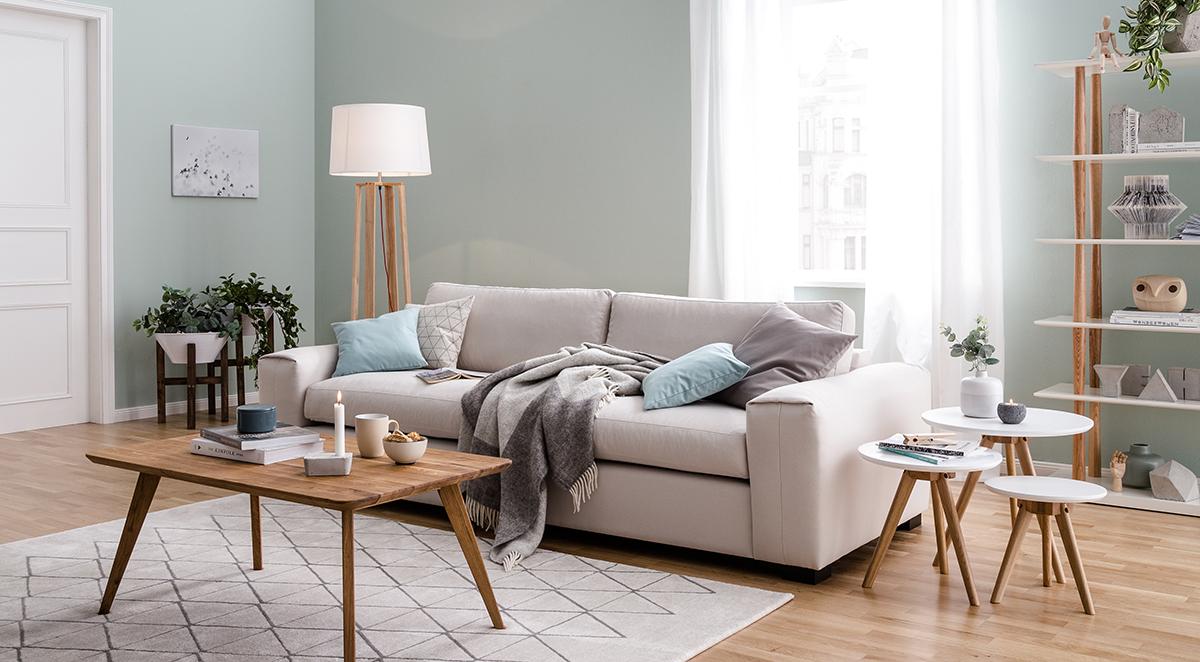 Các món đồ nội thất thường được làm từ vải hoặc gỗ khá đa dạng