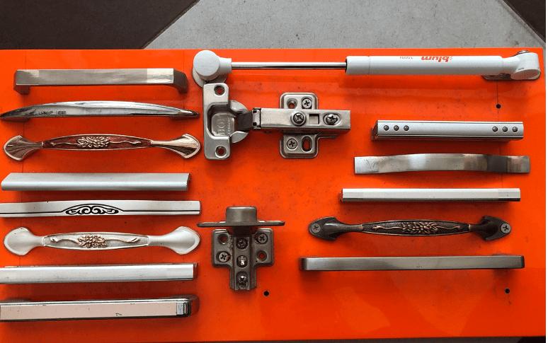 Các loại tay nắm tủ bếp hầu hết đêu được làm từ kim loại và hợp kim