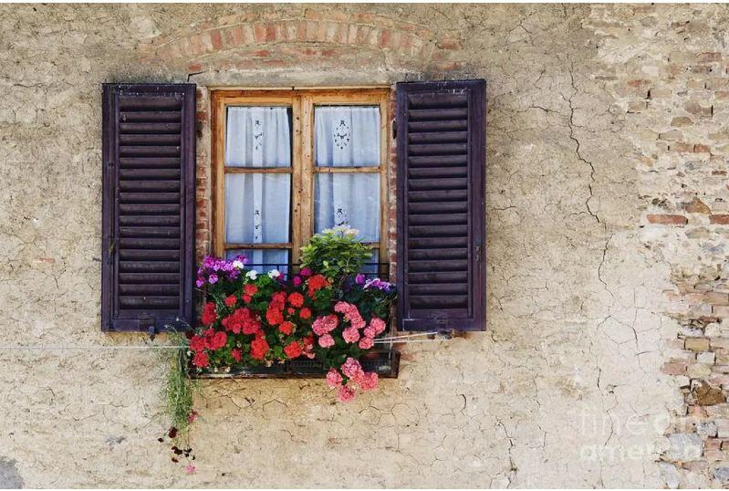 Cửa thoáng gió đơn giản màu sắc cổ điển cho nhà vách đất