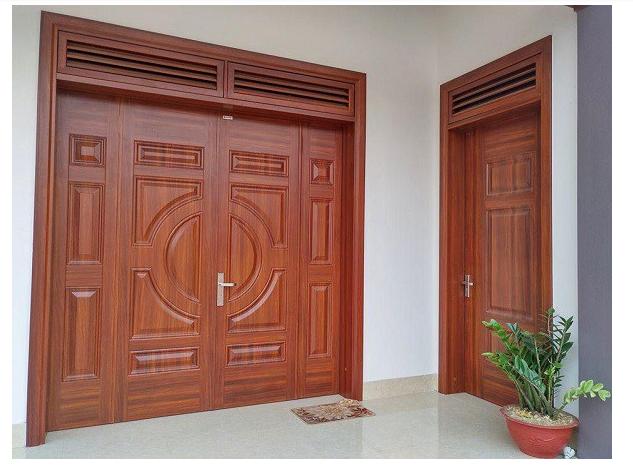 Nhà mái thái sử dụng Ô gió cửa gỗ cho không gian hài hòa tự nhiên