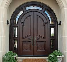 cửa gỗ vòm kính và gỗ