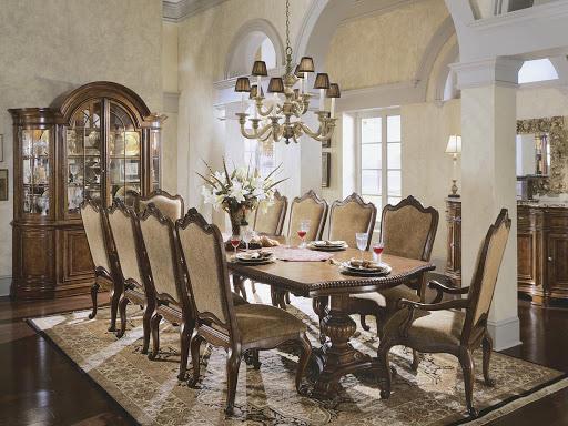 Gỗ tự nhiên mang đến vẻ đẹp sang trọng cho nội thất cổ điển