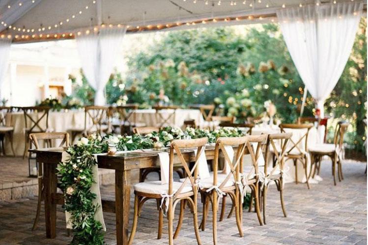 Không gian cưới được trang trí theo phong cách Rustic Wedding