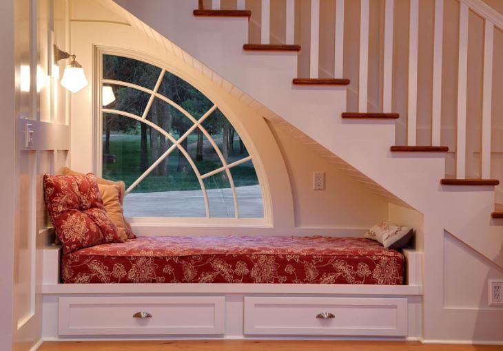 Không nên thiết kế phòng ngủ dưới gầm cầu thang