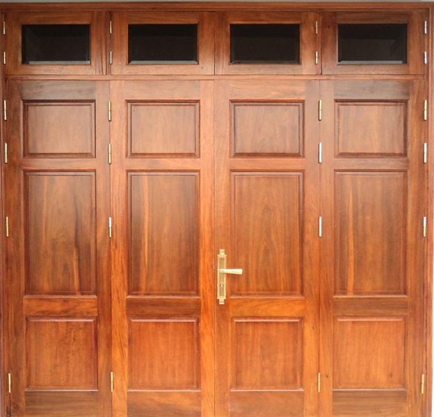 Mẫu cửa gỗ lim Lào bắt mắt