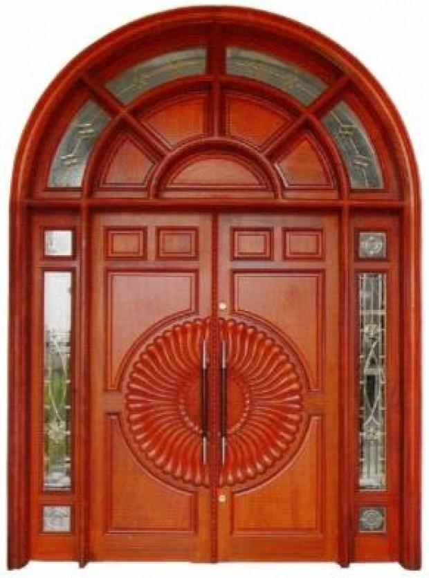 Từ các mẫu đơn giản đến phức tạp dòng cửa gỗ tự nhiên đều có thể đáp ứng được. Với các kiểu Panel ghép hay cầu kì hơn là chạm khắc họa tiết thì dường như dòng cửa gỗ tự nhiên