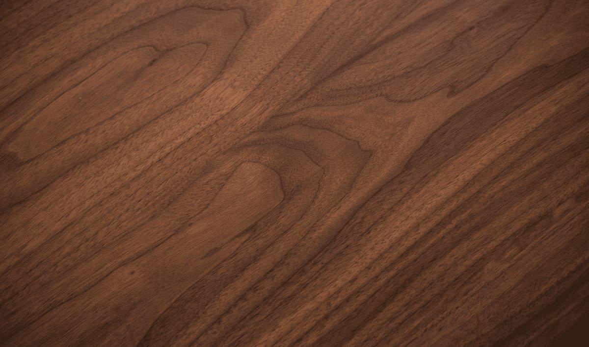 Màu nâu đặc trưng của gỗ óc chó