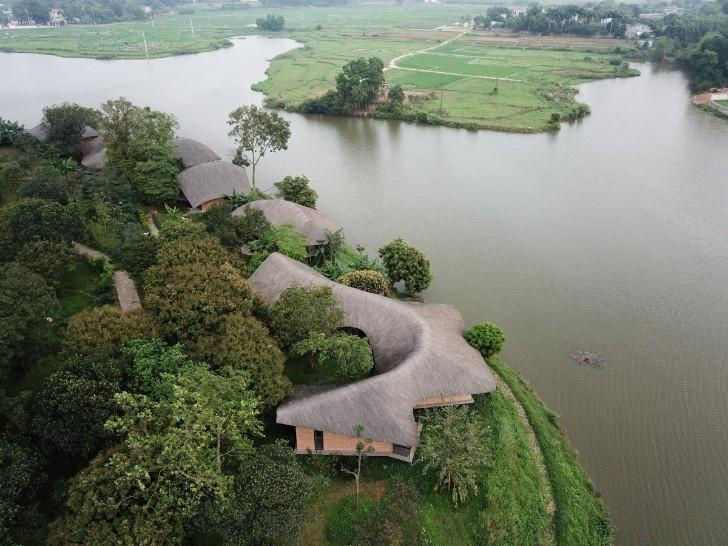 Công trình nằm giữa thiên nhiên, sông nước