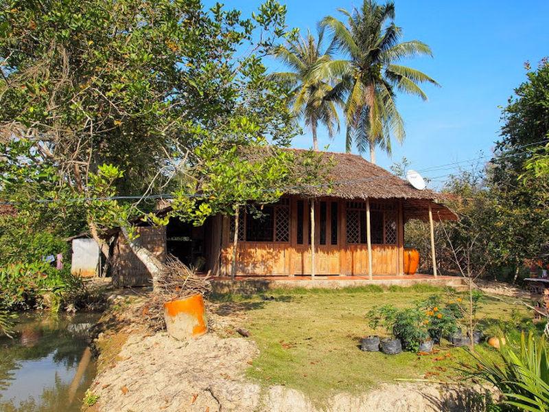 Mẫu nhà lá truyền thống của người dân miền Tây Nam Bộ