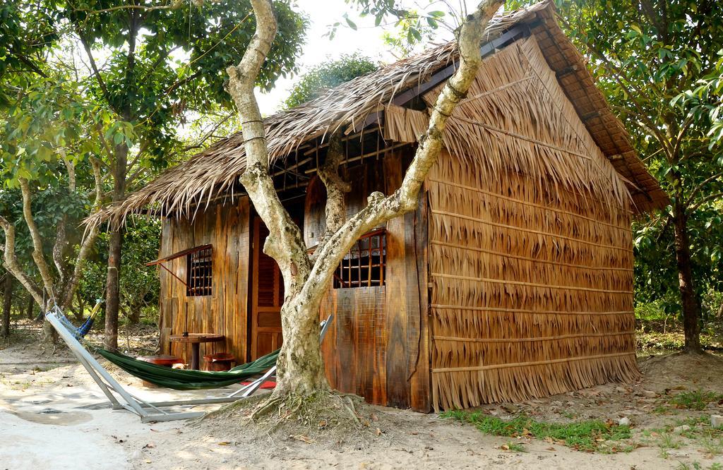 Nhà lá đậm mang phong cách truyền thống của người Việt Nam
