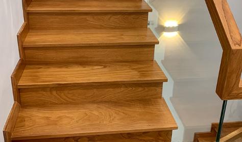 Ốp gỗ cho cầu thang