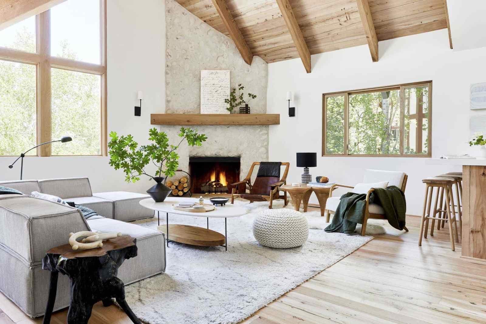 Gỗ xoan đào không độc nên được sử dụng làm nhiều đồ nội thất gia đình