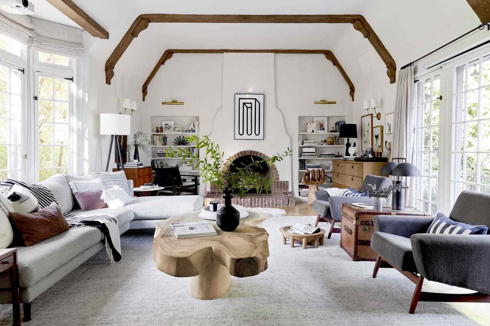 Mẫu thiết kế nội thất nhà biệt thự hiện đại đơn giản kết hợp cây xanh