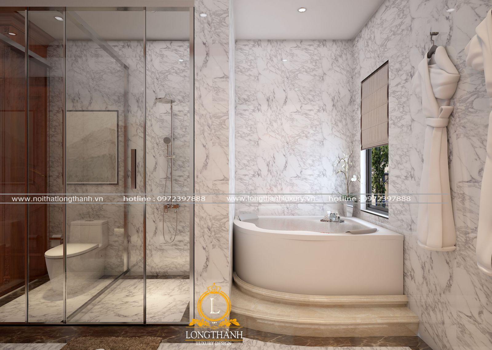 Phòng tắm thiết kế thêm cửa sổ đón ánh sáng tự nhiên giúp thông thoáng, sạch sẽ