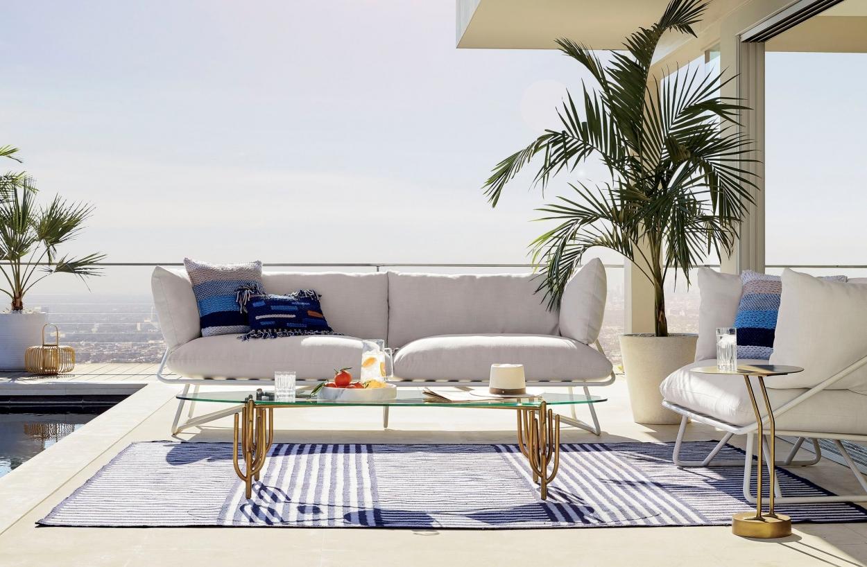 Bộ sofa ngoài trời của bể bơi căn hộ Penthouse
