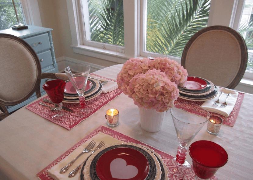 Sử dụng cốc nến trang trí cho không gian bếp thêm ấm áp