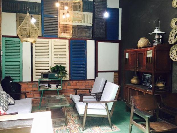 Sở thích sưu tập các mẫu cửa gỗ xưa để trang trí cho không gian nhà
