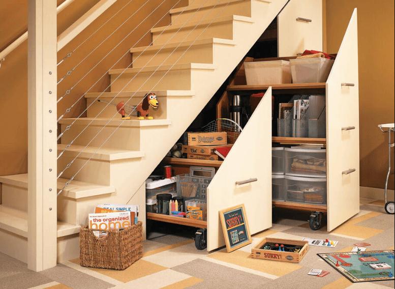 Tận dụng gầm cầu thang để cất giữ đồ đạc