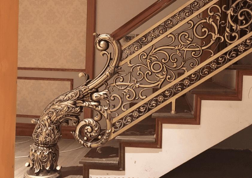 tay vịn gỗ lan can phong cách Châu Âu