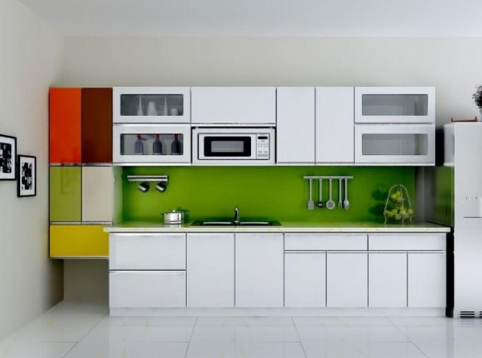 Mẫu tủ bếp acrylic sơn trắng