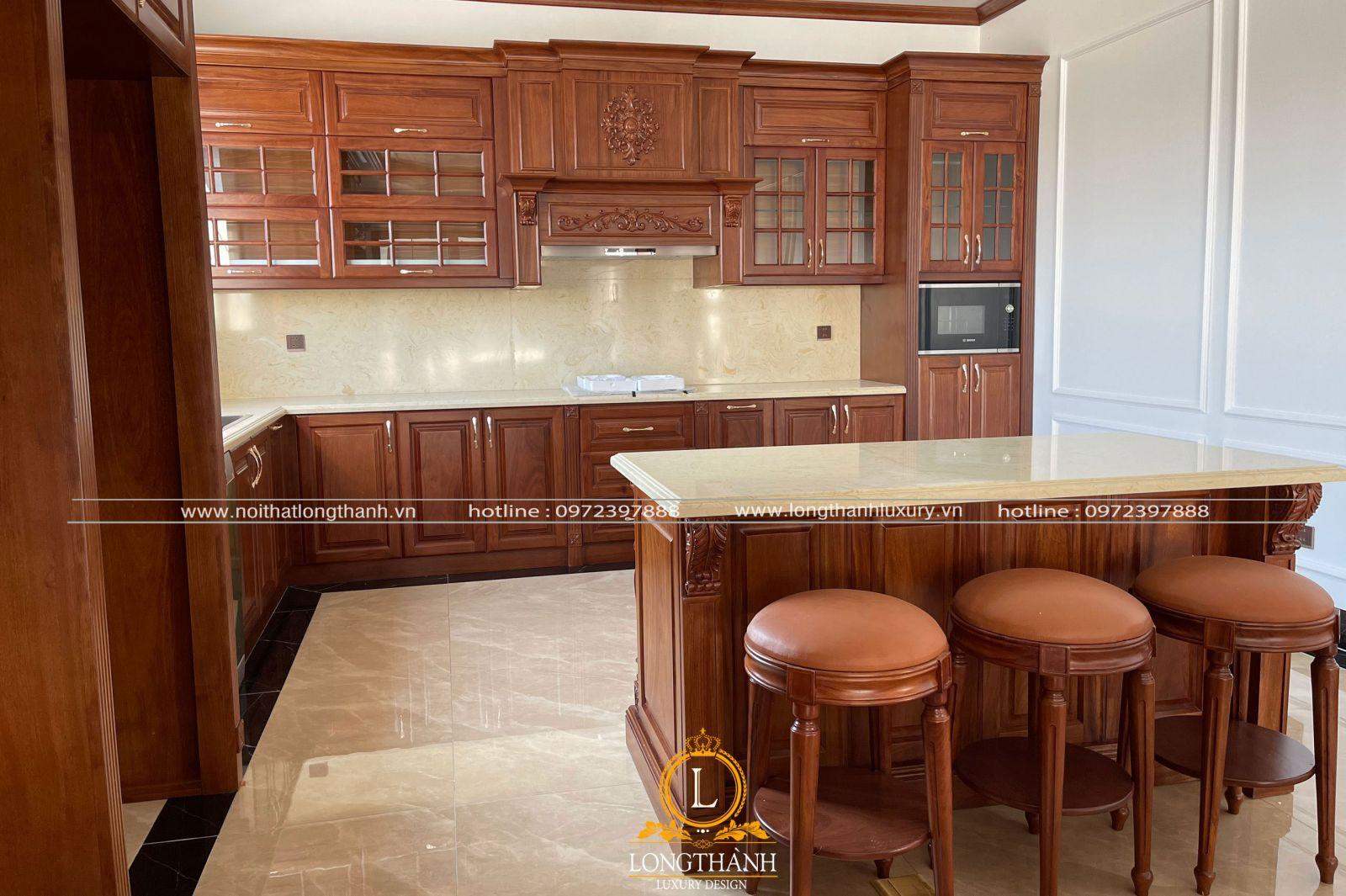 Hình ảnh thực tế mẫu tủ bếp tân cổ điển của nội thất Long Thành